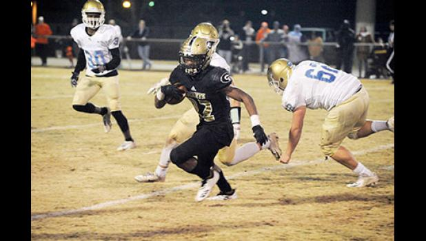 Dre Williams scored three first-half touchdowns and helped his team hold off Daniel late to seal the win Friday night.